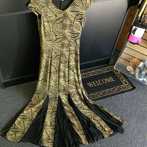 NEW Haani Small Glittery Gown